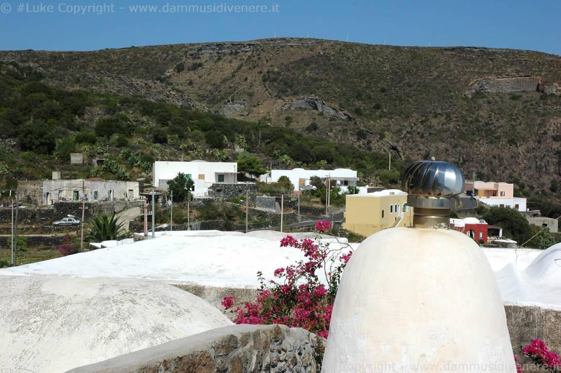Case Di Pietra Pantelleria : Die besten villen in pantelleria italien booking