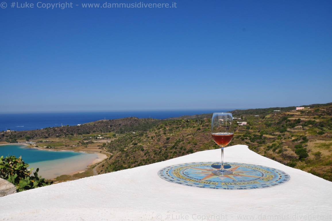 Case Di Pietra Pantelleria : Homify ° due case in pietra a pantelleria
